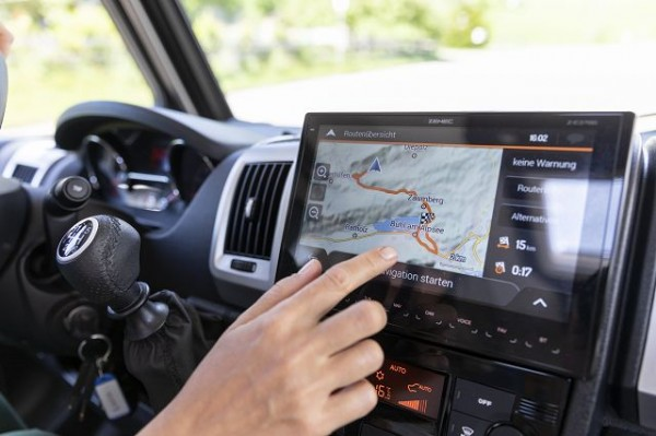 Zenec Navigationssystem Z-E3766EHG inkl.Navikarte (7Jahre kostenl.Update)